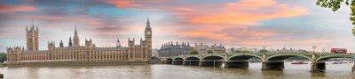 Fototapeta Londyn o zmierzchu. Jesień Zachód słońca nad Westminster Bridge