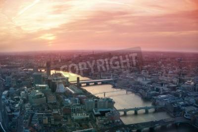 Fototapeta Londyn, Wielka Brytania - 15 kwietnia 2015: City of London widoku biznesowych i finansowych aria