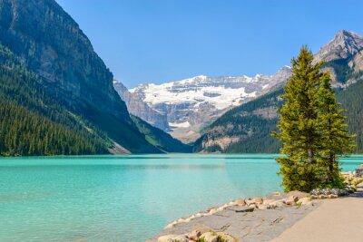 Fototapeta Majestic górskie jezioro w Kanadzie. Louise z widokiem na jezioro w Banff, Alberta, Kanada. Góry Skaliste.