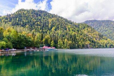 Fototapeta Malownicze jezioro alpejskie Ritsa, Abchazji.