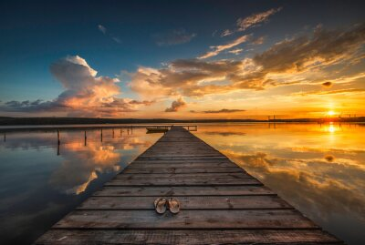 Fototapeta Mały dok i łodzi na jeziorze
