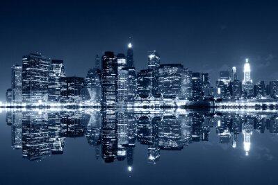 Fototapeta Manhattan w nocy z odbicia w rzece Harlem