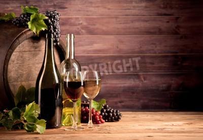 Fototapeta Martwa natura z wina z drewnianej beczce