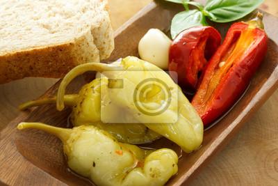 Fototapeta Marynowane papryki z chleba