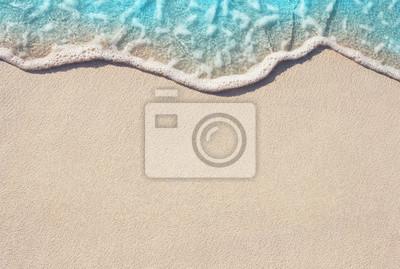 Fototapeta Miękkie fal oceanicznych na piaszczystej plaży, tło.
