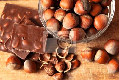 Fototapeta Miska z orzechów laskowych i czekolady
