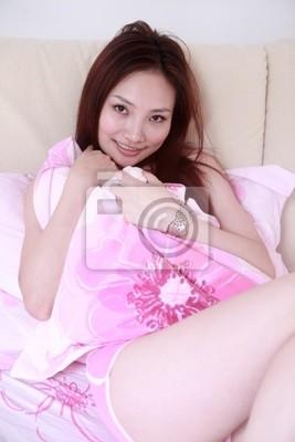 azjatyckie dziewczyny seks w pociągu surowe porno analne