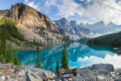 Fototapeta Moraine lake with the rocky mountains panorama in the banff canada