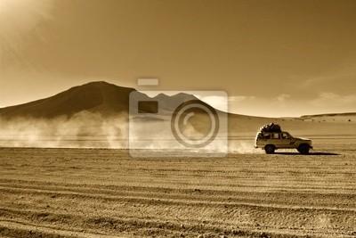 naturalne tło, jeep na pustyni w boliwijskim