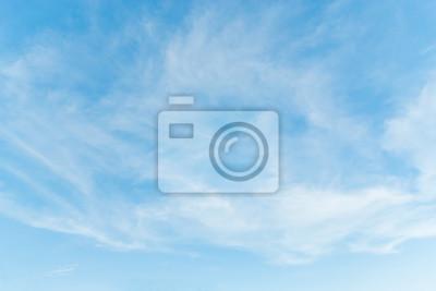 Fototapeta Niebo nad morzem jasne popołudnie.