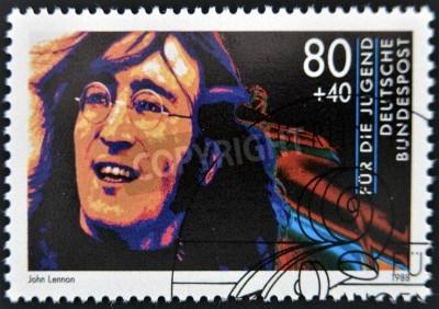 Fototapeta NIEMCY - OKOŁO 1988: Stempel drukowane w Niemczech pokazuje obraz Johna Lennona, circa 1988