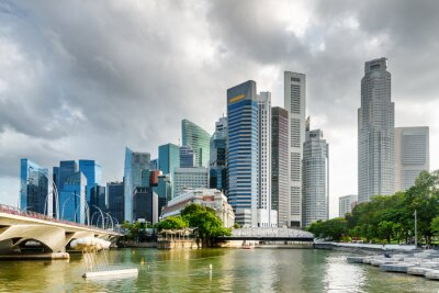 Fototapeta Niesamowity widok wieżowców i rzeki Singapur w śródmieściu