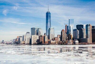 Fototapeta NYC, rzadko zamarznięta rzeka Hudson zamarza z powodu zmian klimatycznych i nieprzewidywalnej pogody.