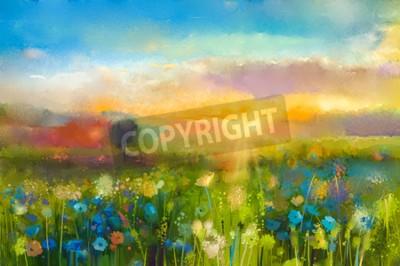 Fototapeta Obraz olejny kwiaty mniszka lekarskiego, chaber, stokrotka na polach. Zachód słońca krajobraz z łąki Dziki, wzgórza i niebo w kolorze pomarańczowym i niebieskim kolorem tła. Farba rąk letnich kwiatów