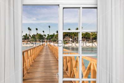 Fototapeta okno otwarte widok na altanę w morzu