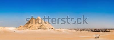 Fototapeta Panorama obszaru z wielkimi piramidami w Gizie w Egipcie