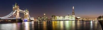 Fototapeta Panorama von der Tower Bridge bis zum Shard w Londynie