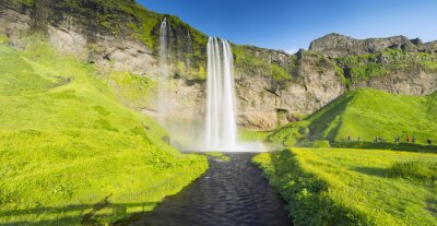 Fototapeta panorama z rzeki i wodospad w Islandii
