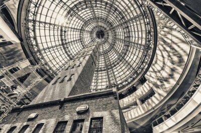 Fototapeta Patrząc w górę obok rzutu wieży na kopulastym dachem Melbourne procent