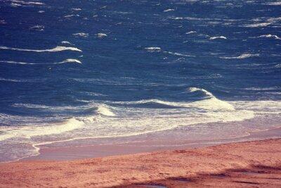 Fototapeta Piaszczysta plaża, nad morzem, fale na morzu