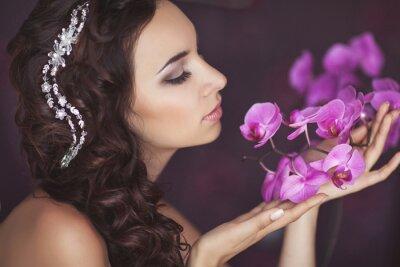 Fototapeta Piękna panna młoda w dniu ślubu w sukni ślubnej. Młodej kobiety