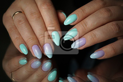 Piękne Naturalne Jasne Paznokcie Z Doskonałą Czystą Manicure
