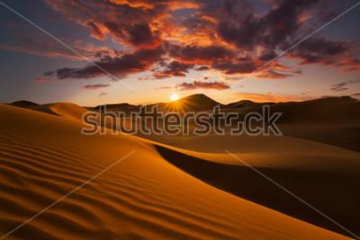 Fototapeta Piękne wydmy na Saharze.
