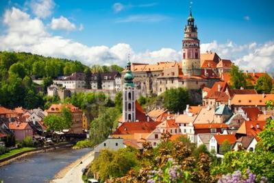 Fototapeta Piękny widok na kościół i zamek w Cesky Krumlov, Republika Czeska