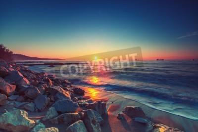 Fototapeta Piękny wschód słońca nad horyzontem,