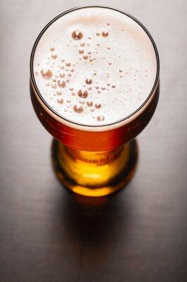 Fototapeta piwa lager na stole