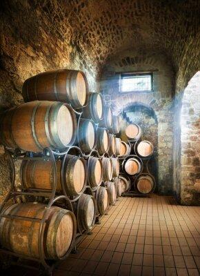 Fototapeta Piwnica z beczkami do przechowywania wina