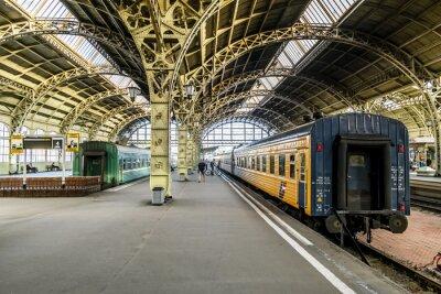 Fototapeta platformy Pociąg na linii kolejowej Witebsku station.Saint-Petersburgu.