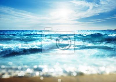 Fototapeta plaży w czasie zachodu słońca, efekt przesunięcia pochylenia