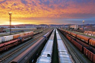Fototapeta Pociąg towarowy - Cargo branży kolejowej