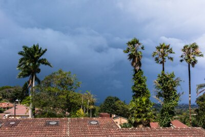 Fototapeta Pogoda Coming Storm Chmury nad krajem domy krajobrazu.
