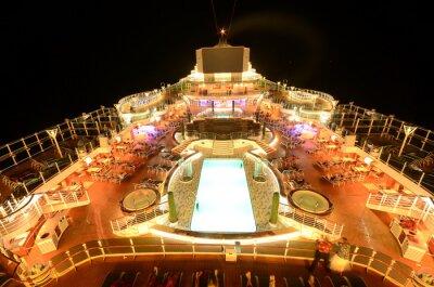Fototapeta Pokład górny statek wycieczkowy w nocy