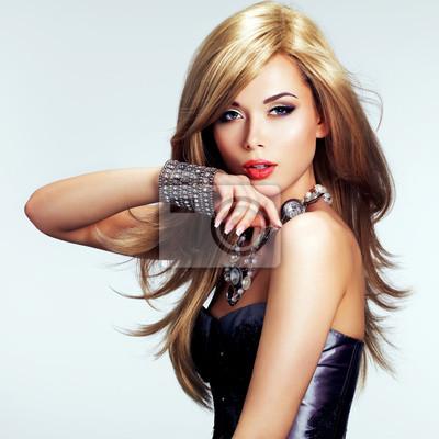 Fototapeta Portret mody piękne kobiety z jasnym makijażu