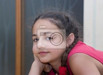 Fototapeta Portret przemyślany dziewczyna.