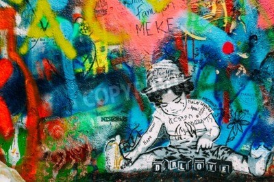 Fototapeta Praga, Czechy - 10 października 2014 r .: słynne miejsce w Pradze - mur w John Lennon. Ściana jest wypełniona John Lennon inspirowane graffiti i teksty z piosenek Beatlesów