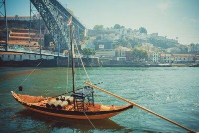 Fototapeta Rabelo łodzi, port tradycyjne transportu wina na rzece Douro.