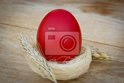 Fototapeta Red Easter egg na stole