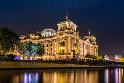 Fototapeta Reichstag in Berlin am Abend