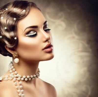 Fototapeta Retro stylem makijażu z pereł. Portret piękne młoda kobieta