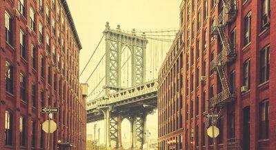 Fototapeta Retro stylizowane Manhattan Bridge widziany z Dumbo w Nowym Jorku.