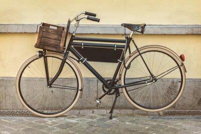 Fototapeta Rocznika rower z drewnianej skrzyni