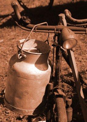 Fototapeta Rowerowy ubiegłego stulecia stosowane do transportu mleka