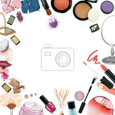 Różne kosmetyków na białym tle