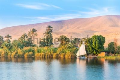 Fototapeta Rzeka Nil w Egipcie. Luksor, Afryka.