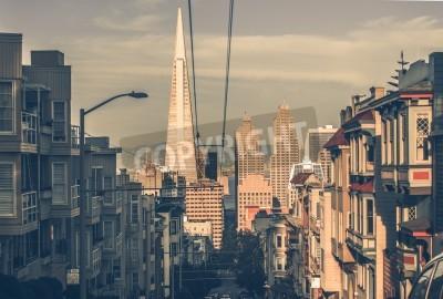 Fototapeta San Francisco Cityscape o zachodzie słońca z Downtown wieżowce w odległości. San Francisco, Kalifornia, USA. Architektura San Francisco w klasycznym klasyfikacji kolorów.