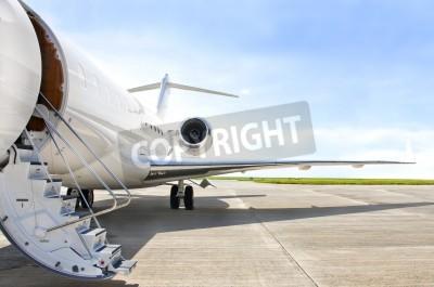 Fototapeta Schody z Jet silnika na nowoczesnym prywatnego samolotu odrzutowego